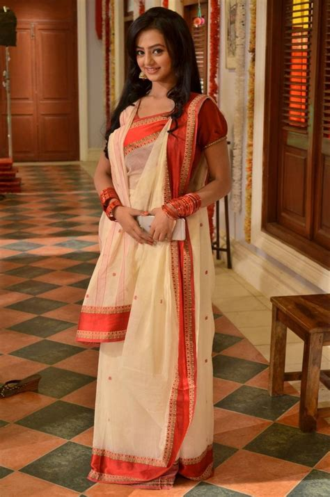 swaragini cast pics  social networking sites page