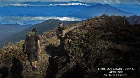 mendaki gunung gede cianjur jawa barat pesona wisata