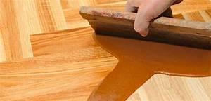Holz Wasserfest Versiegeln : tipps zum renovieren und versiegeln bei einem holzboden ~ Frokenaadalensverden.com Haus und Dekorationen