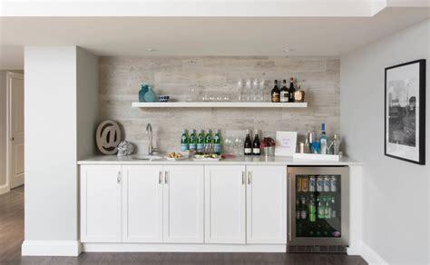 cuisine en sous sol 10 éléments essentiels pour un bar aménagé dans le sous sol bricobistro