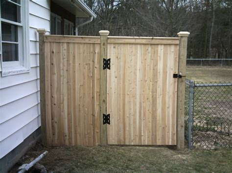Fence - Gate : Impressive Wooden Gate Designs With Outstanding