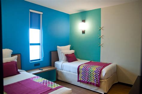 two bedrooms best hotels with two bedroom family suites family