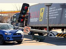 Un apprenti conducteur de véhicule lourd voit son examen