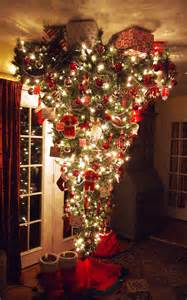 Best Decorating Blogs 2016 by Vivid Hue Home Upside Down Tree Not For Me