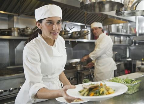 what does a chef de cuisine do restaurant kitchen stations and the kitchen brigade