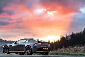 Aston Martin V12 Vantage S : aston martin v12 vantage s gets 7 speed manual gearbox 34 images ~ Medecine-chirurgie-esthetiques.com Avis de Voitures