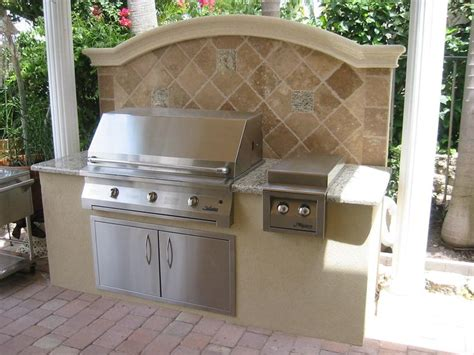 Backyard Built In Bbq by Outdoor Bbq Designs In Barbecue Grills Built In