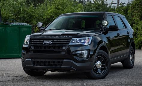 ford  giving  police interceptor suv  stealth