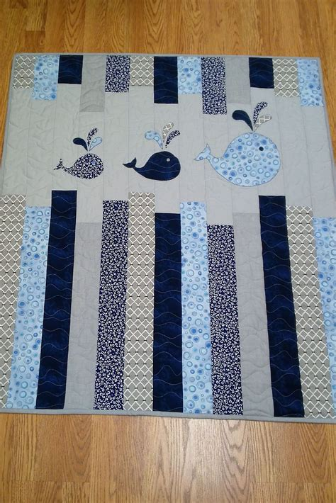 whale quilt pattern whales on parade honey bunny bunny and honey