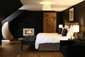 sharp black room livinator