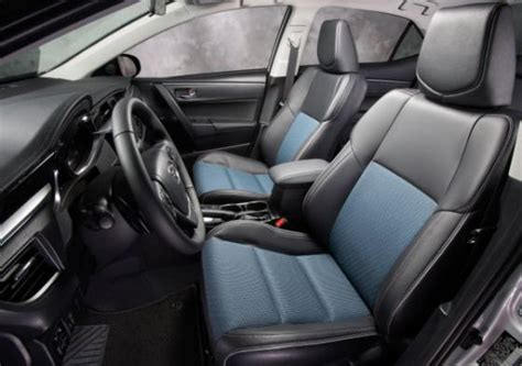 leather front seats    toyota corolla