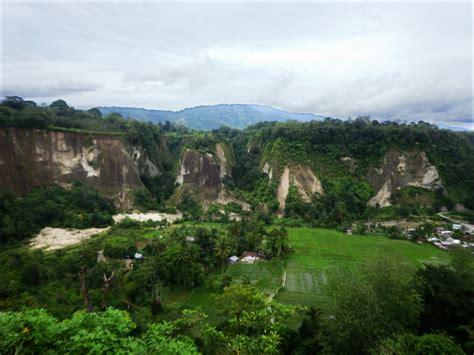 ngarai sianok bukittinggi west sumatra visit
