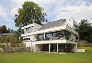 Haus Am Hang Bauen Stützmauer : modernes luxushaus bauen luxusvilla neubau mit flow ~ Lizthompson.info Haus und Dekorationen