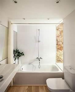 La salle de bains blanche design en 75 idees for Salle de bain design avec boites à archives décoratives