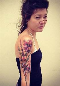 Tattoos Schulter Oberarm Frau : tattoos f r frauen blumen tattoo arts ~ Frokenaadalensverden.com Haus und Dekorationen