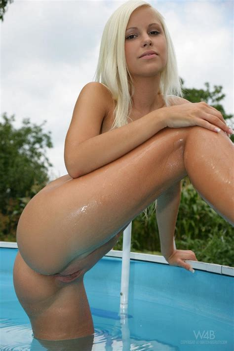 Blonde Hottie Lola Myluv Gets All Wet In The Swimming Pool With Her Toys