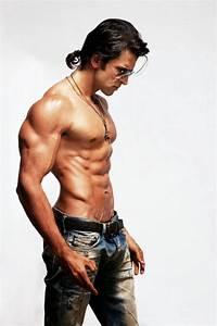 Hrithik Roshan: krrish 3 hot body pics