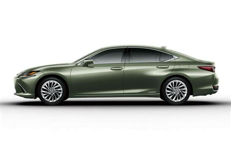 lexus es launched  japan worlds  side view