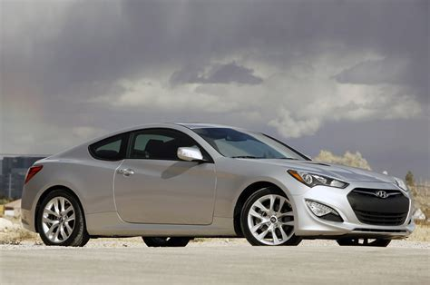 Hyundai Genesis by 2013 Hyundai Genesis Coupe Drive Photo Gallery