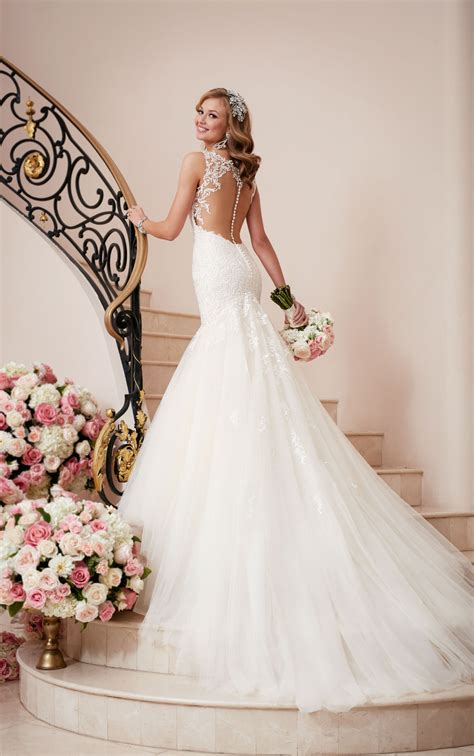 Fit And Flare Wedding Dress With Illusion Back  Stella York. Beautiful Wedding Dresses With Sleeves. Short Ivory Wedding Dresses Uk. Wedding Dress Style Quiz. Chiffon Wedding Dresses Plus Size. Elegant Wedding Dresses For The Mother Of The Bride. Flowy Dresses For A Wedding. Casual Linen Wedding Dresses. Knee Length Wedding Dresses With Sleeves Uk