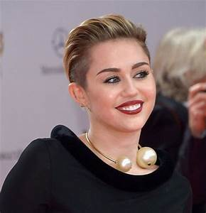 Celebrity Women With Short Hair Short Hairstyles 2017