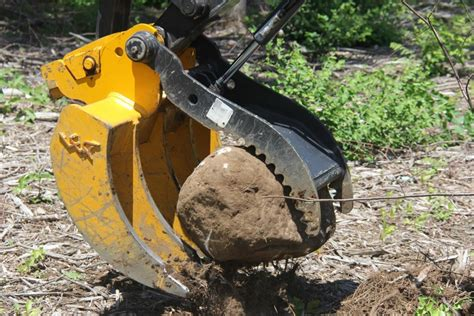 excavator rake  leading edge attachments  design leader  excavator rock ripper buckets