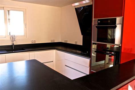 plan de travail cuisine granit noir plan de travail de cuisine en granit noir indien leather marbrerie bonaldi le muy var