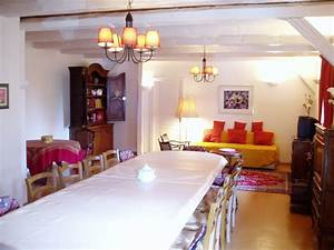 Location la cour zaepffellocation de vacances a dambach for Grande table de salle à manger