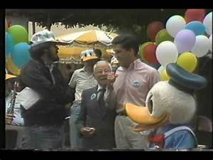 Video clip hay Tony Anselmo Donald Duck Neil Patrick ...