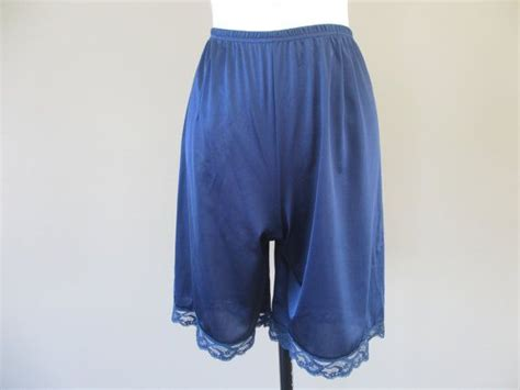 1960's Tap Pants / Lingerie Shorts / Nylon Bloomers