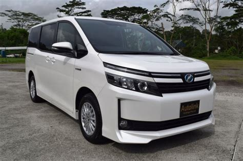 toyota voxy hybrid   model  sale