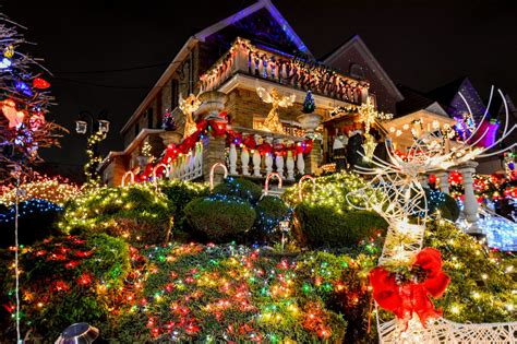 christmas decoration around nyc free things to do in new york city this winter