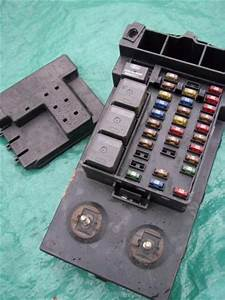 Sell 2003 Chevy Cavalier Dash End Fuse Box Panel    Relay