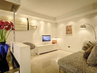 Contemporary, Beautifully Finished  Homeaway Bath