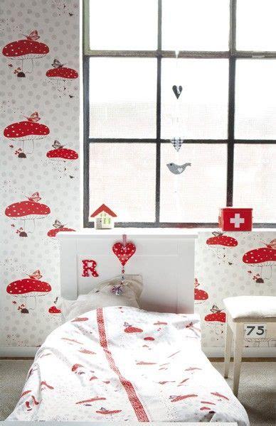 behang paddestoelen rood kinderkamer fungus wallpaper