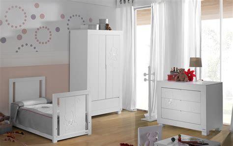 chambre bébé gris et blanc chambre bébé blanche