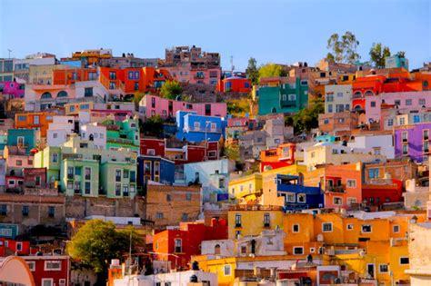 alla scoperta delle citta piu colorate al mondo