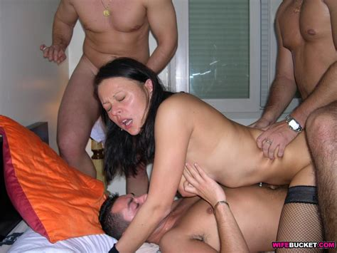 Wifebucket Hot Wife Gangbang Fucking