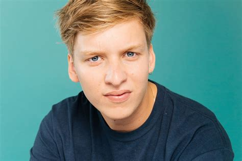 George Ezra Is Back At His Karaoke Again With New Track