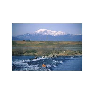 File:Mount Ibuki from Ibi River 1998-02-16.jpg - Wikimedia Commons