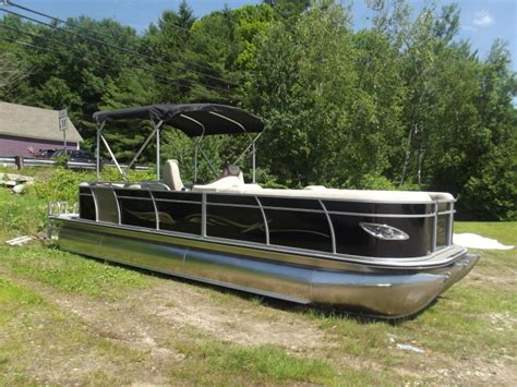 Pontoon Boats Bentley by 2017 Bentley Pontoon Boats Line Of Pontoon Boats In