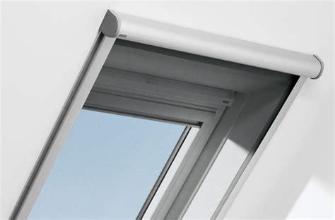 fliegengitter dachfenster velux insektenschutzrollo f 252 r wohndachfenster velux