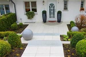 Eingangsbereich Haus Neu Gestalten : b scher gartenbau dienstleistungen f r ihren privatgarten ~ Lizthompson.info Haus und Dekorationen