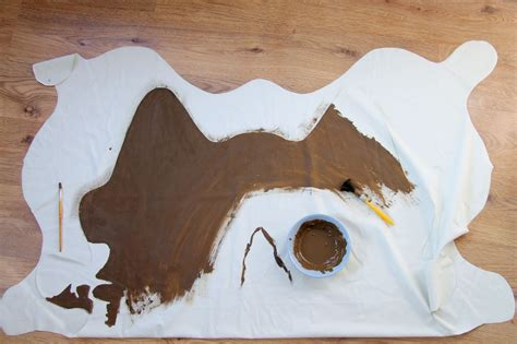 Diy Cowhide Rug by Diy Tutorial Faux Cowhide Rug