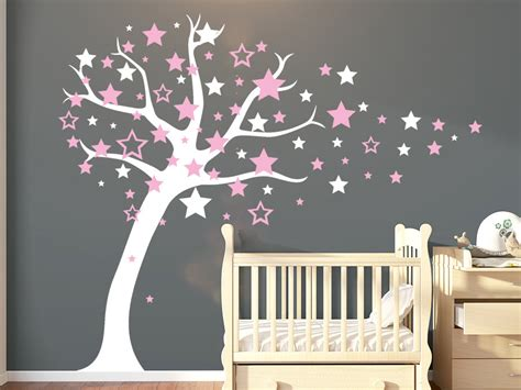 Wandtattoo Kinderzimmer Sterne by Wandtattoo Baum Mit Sternen Wandtattoos De