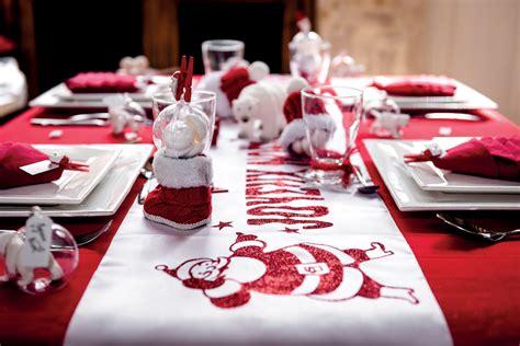 Noël Traditionnel En Rouge Et Blanc