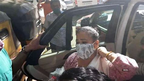 After raid, pictures of comedian Bharti Singh and her ...