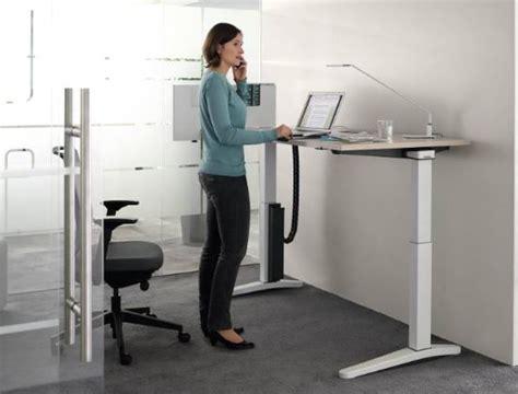 bureau hauteur variable bureau reglable en hauteur ology ergos