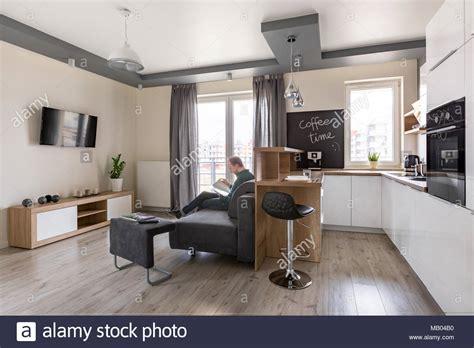 Wohnzimmer Küche Kombinieren by Funktionale Und Moderne Wohnzimmer Mit K 252 Che Kombiniert