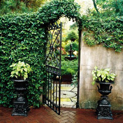 secret garden ideas top 16 ideas to start a secret backyard garden easy diy